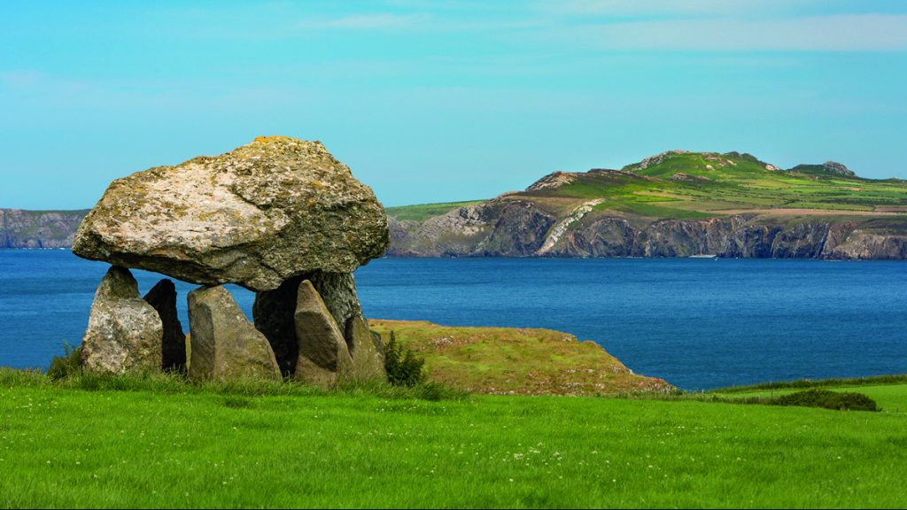 Carreg Samson Cromlech near Abercastle