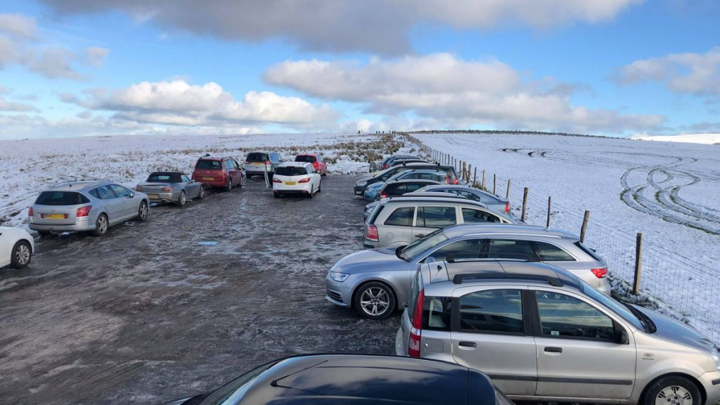 Cars parked at Bwlch Gwynt following snow
